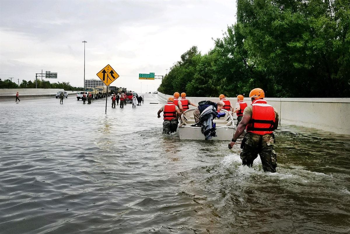 Texas National Guard help victims of Hurricane Harvey (Texas Army National Guard photo)