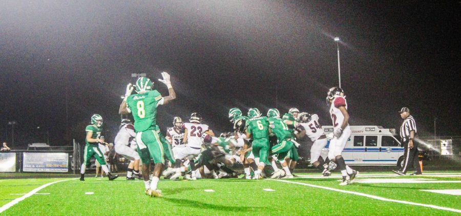 Trojans+scores+a+touchdown%21