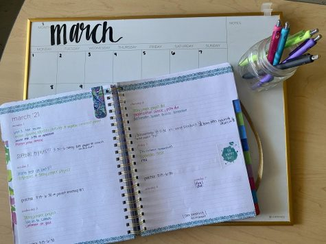 Planners and calendars are some of the easiest ways to stay organized.