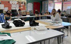 Mrs. Saunders class enjoys cake after awards.
